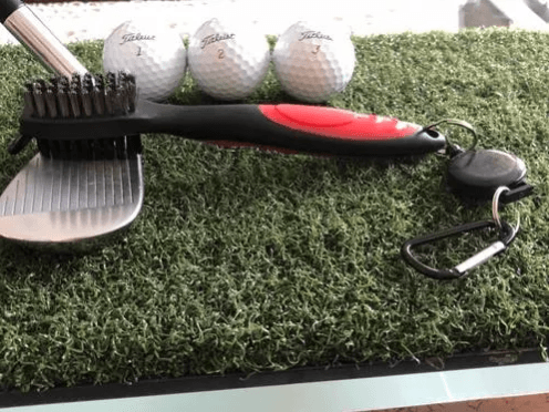 cepillo-limpia-bastones-golf-3